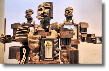 the life and sculptures of italian paolozzi Paolozzi was the son of italian parents, but was born and raised in scotland the  family  paolozzi's sculptures continued to evolve through the late 1950s.